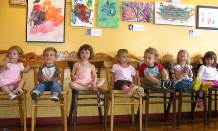 Une exposition d'art pour enfants pour le Groupe d'art pour tout-petits