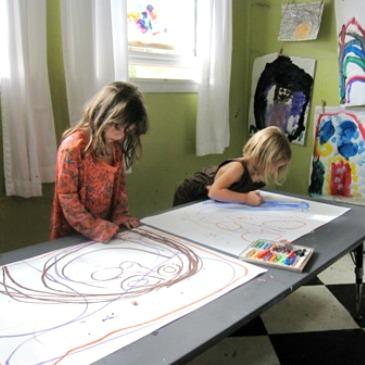 Simon Dit, Dessine ! Une activité interactive de dessin pour les enfants
