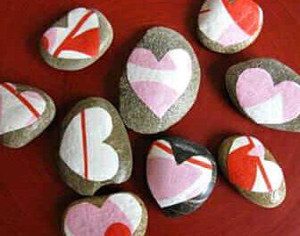 Heart Rocks – Un projet de découpage facile pour la Saint-Valentin