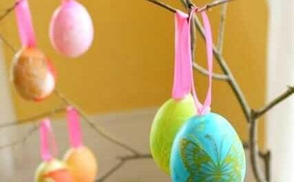 Un œuf de Pâques de bricolage