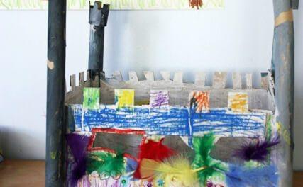 Un château fantastique et coloré en carton DiY !