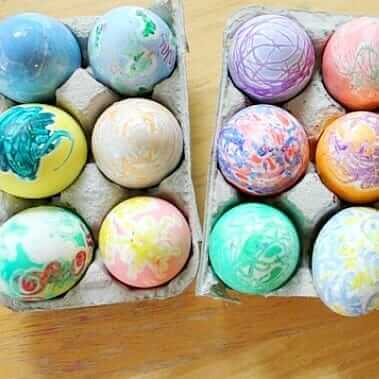 Oeufs de Crayon Fondus pour Pâques