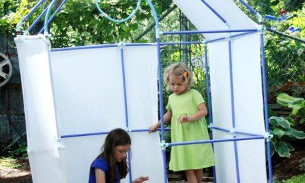 Construction d'une maison de bricolage dans la cour arrière avec Fort Magic