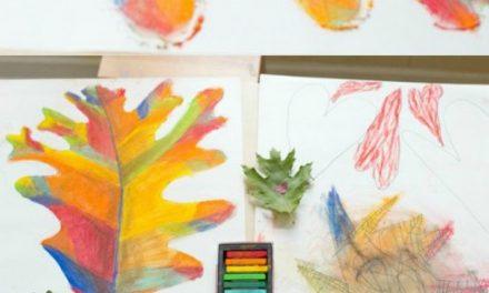 L'art des feuilles d'automne avec des pastels à la craie