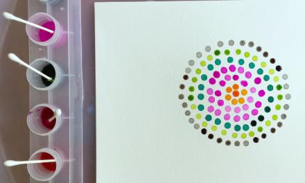 L'art du pointillisme avec des cotons-tiges et des aquarelles