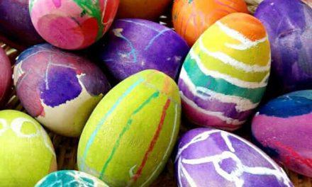 Comment peindre des oeufs de Pâques en bois