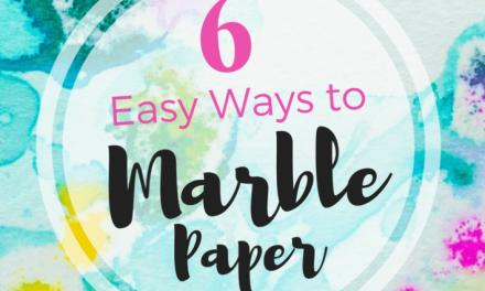 Comment faire du papier marbré (6 techniques faciles pour tous les âges)