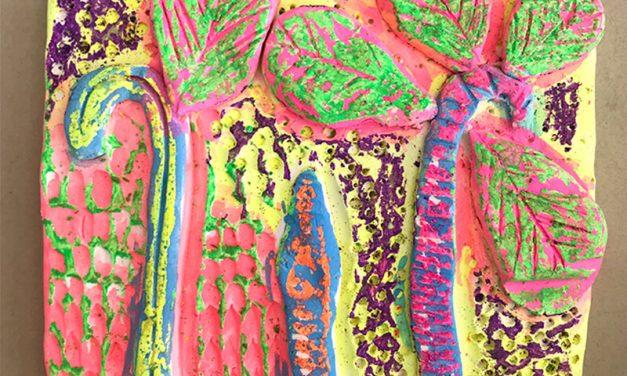 Créez des tuiles d'argile colorées pour les enfants (avec de l'argile séchant à l'air !)