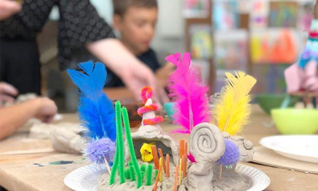 Essayez ces petites idées de jeu créatives du monde pour les enfants